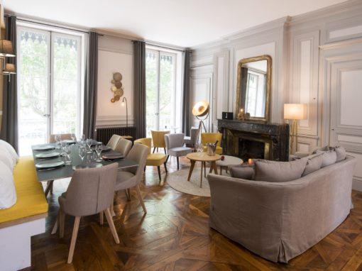 Appartement à Lyon 69006, réalisation d'éléments dans 2 cuisines, un bureau et une salle de bain